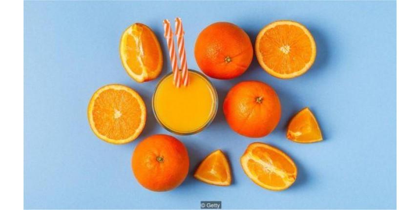 Beber suco de fruta é realmente saudável?