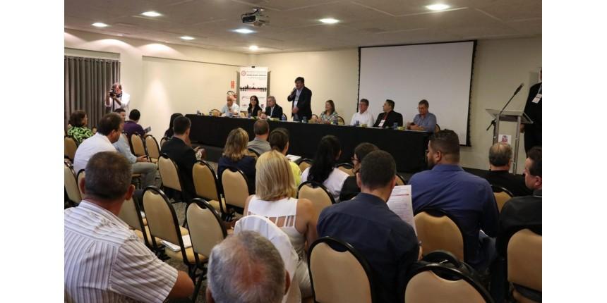 Fórum Paulista reúne 152 pessoas de 38 municípios e nova diretoria tem o presidente da Emdurb Marília