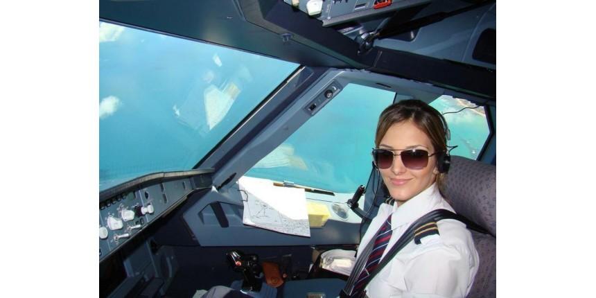 Brasileira realiza sonho profissional de pilotar avião nos Emirados Árabes: 'Quero ser comandante'