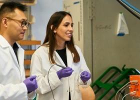 Cientista brasileira cria 'caneta' que detecta câncer durante cirurgia