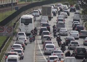 Proibição de moto na Marginal Pinheiros começa nesta segunda