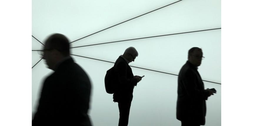 Empresa que opera servidores de internet passa por problemas e derruba centenas de sites