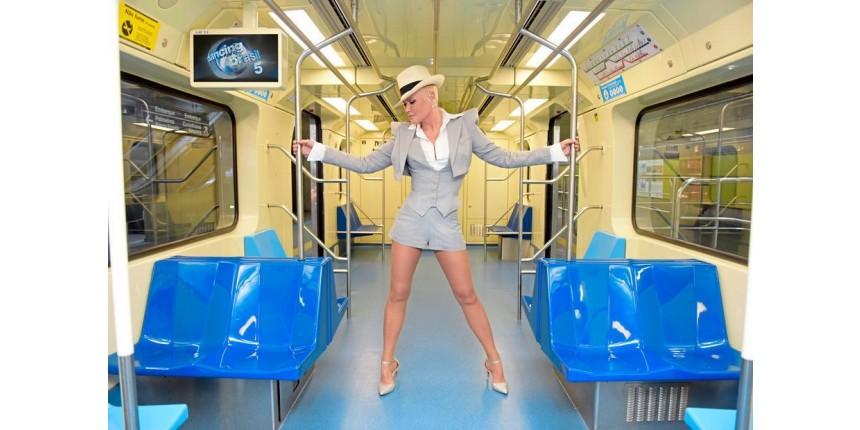 'Envelhecer para o homem é legal e para a gente é uma cobrança', desabafa Xuxa