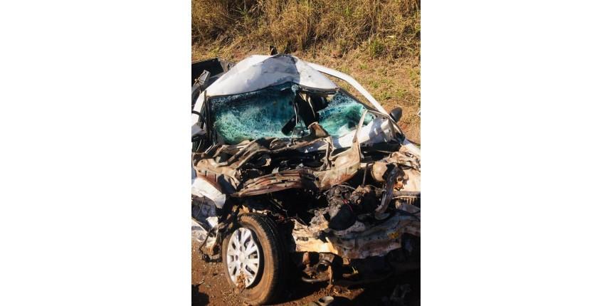 Motorista morre após bater veículo de frente com caminhão em rodovia