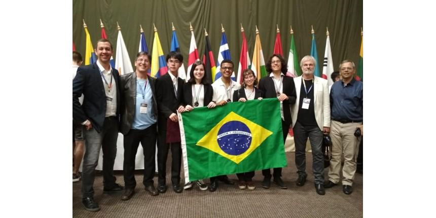 Brasil leva três medalhas de bronze na Olimpíada Internacional de Astronomia e Astrofísica