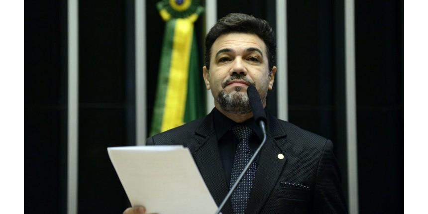 Dentes de Feliciano custam R$ 157 mil para a Câmara