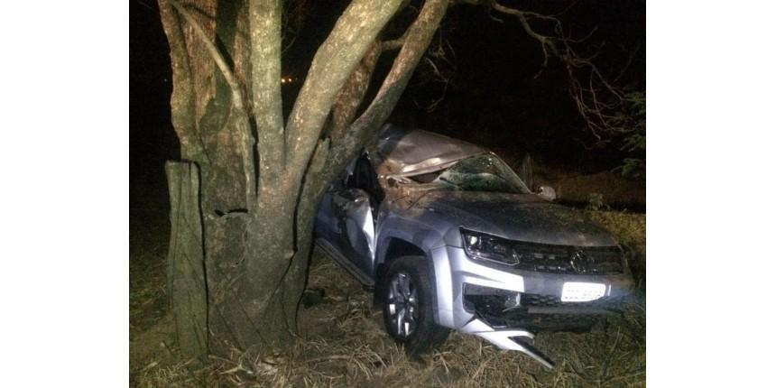 Dois acidentes com caminhonetes deixam feridos na região