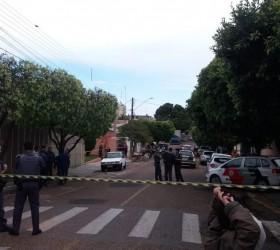 Policial civil aposentado reage a tiros a desocupação de residência...