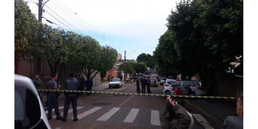 Policial civil aposentado reage a tiros a desocupação de residência e morre em confronto com a PM