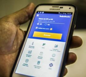 Com novos saques, aplicativo do FGTS lidera ranking em loja...