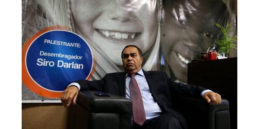 Desembargador Siro Darlan é alvo de ação da Polícia Federal que apura venda de sentenças