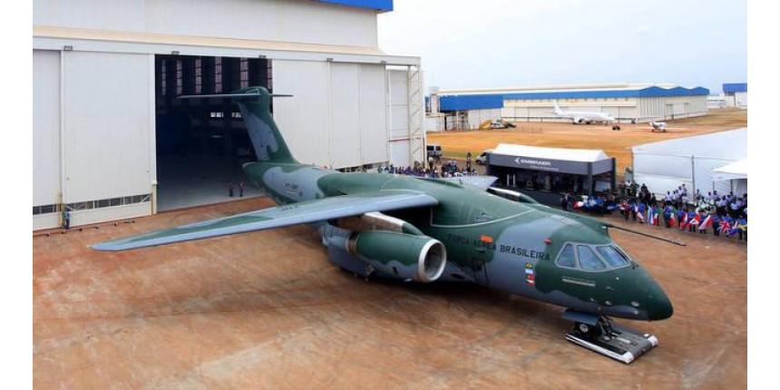 FAB recebe 1ª unidade do maior avião feito pela Embraer no Brasil