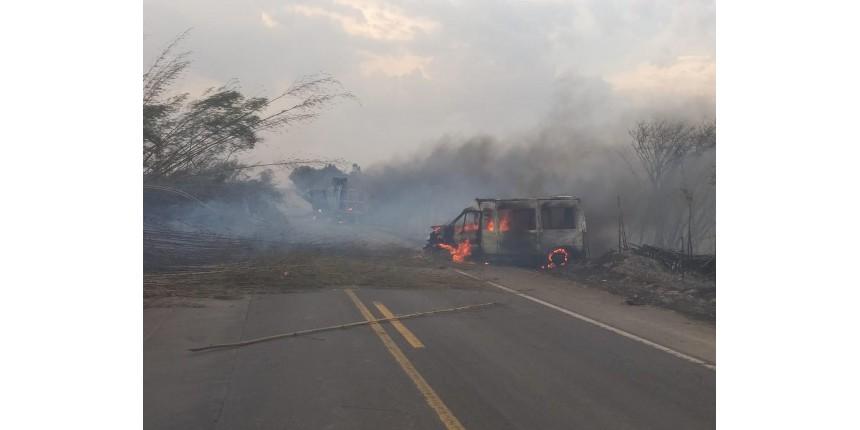 Fumaça de incêndio em rodovia de SP provoca acidente com 6 mortes