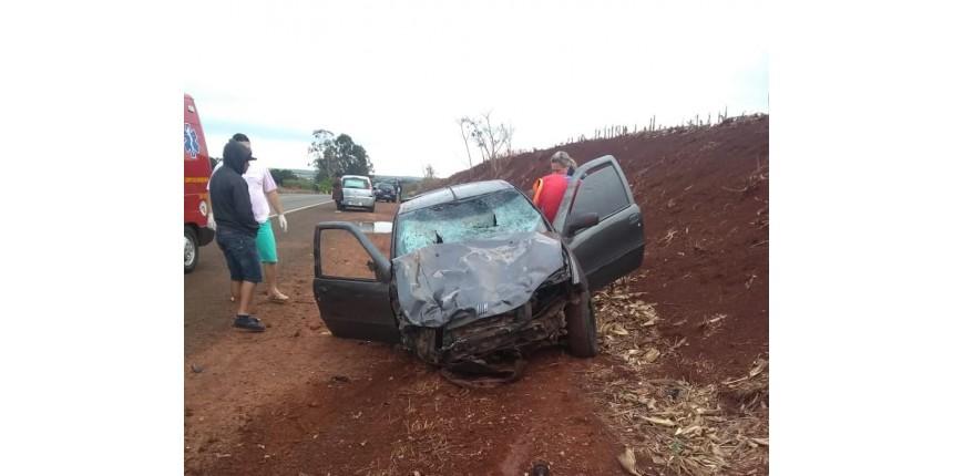 Jovens morrem atropelados por carro em rodovia