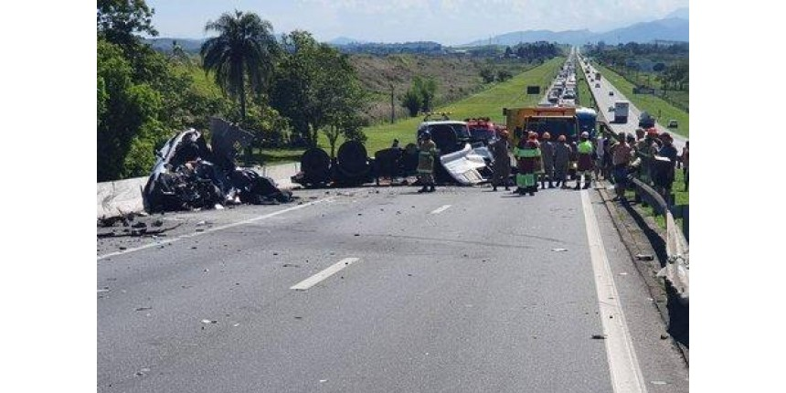 Bebê é a sexta vítima de acidente na via Dutra, sentido Rio de Janeiro