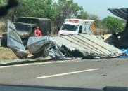 Caminhão com armas, munições e pólvora tomba em rodovia