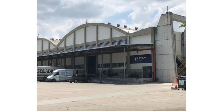 Criminosos roubam terminal de cargas de empresa aérea no Aeroporto Galeão
