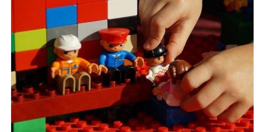 Dia das Crianças: brinquedo deve ter selo do Inmetro e idade adequada
