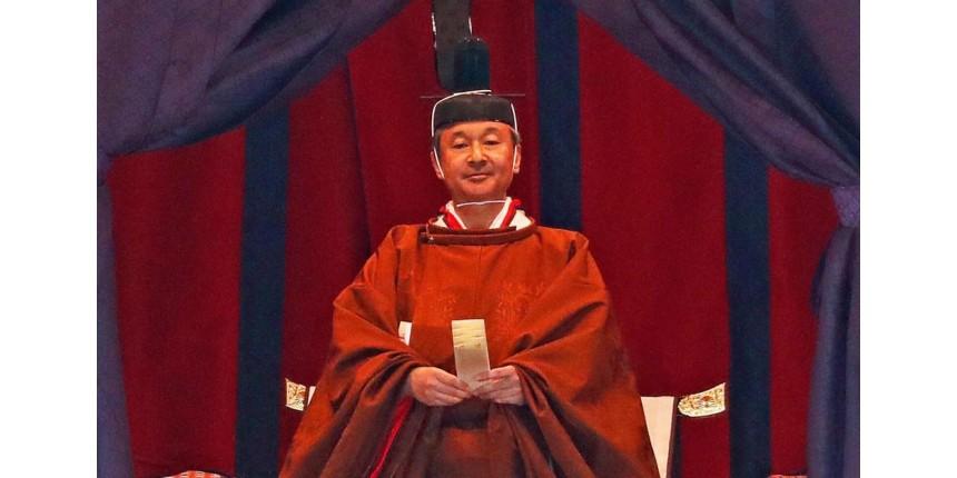 Japão entroniza imperador Naruhito
