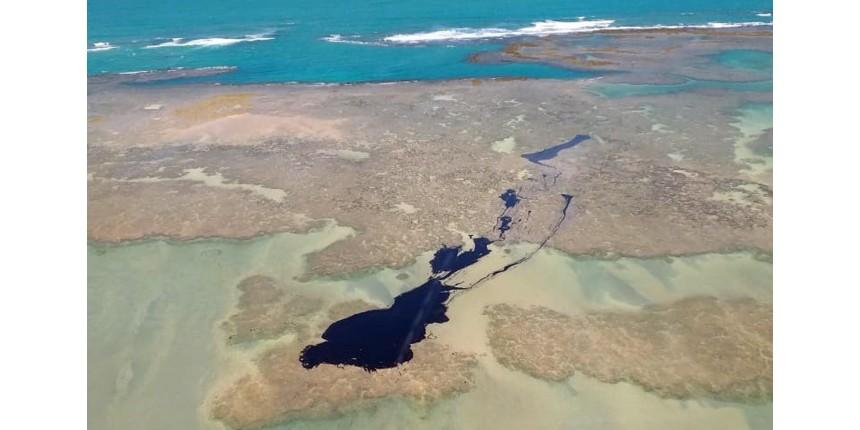 Manchas de óleo voltam a aparecer em Pernambuco