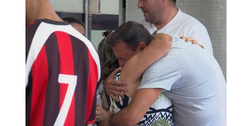 Menina que caiu do 9º andar de prédio está consciente e já conversa após 2 cirurgias
