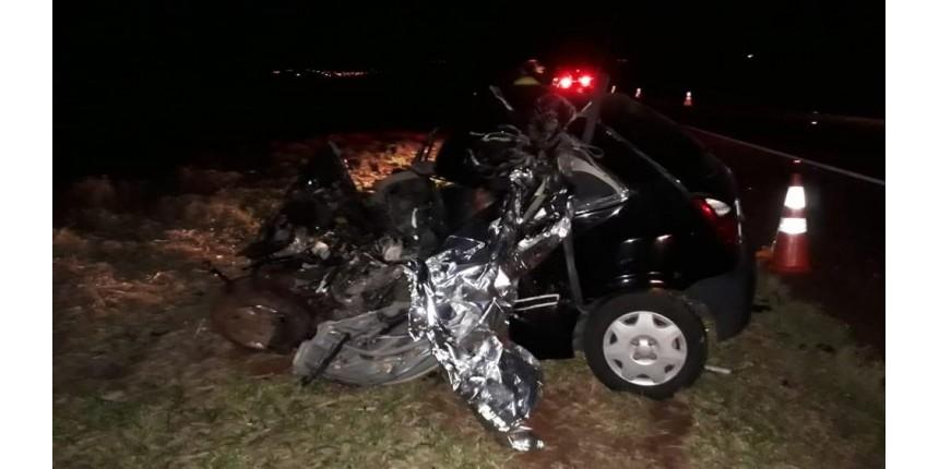 Motorista morre em acidente após agredir jovem e idoso