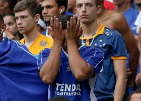 Da administração ao campo: o conjunto de problemas que levou o Cruzeiro...