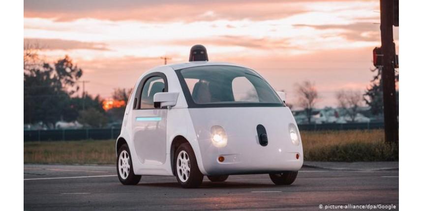 Carros autônomos deverão estar no mercado até 2025, diz pesquisador