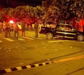 Homem atropela 17 pessoas em bar e mata duas
