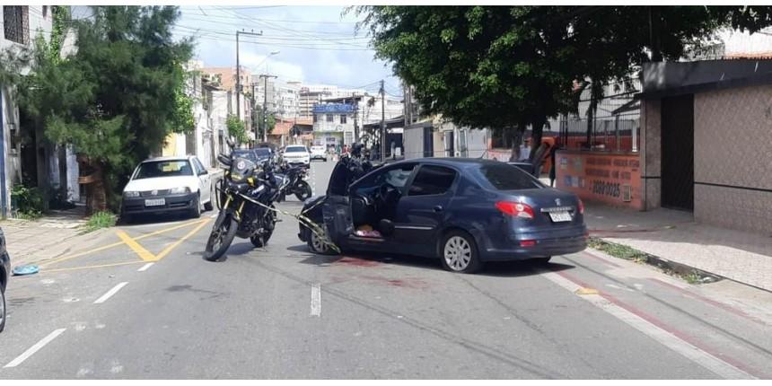 Marido mata mulher a tiros e joga vítima de carro em movimento em viaduto