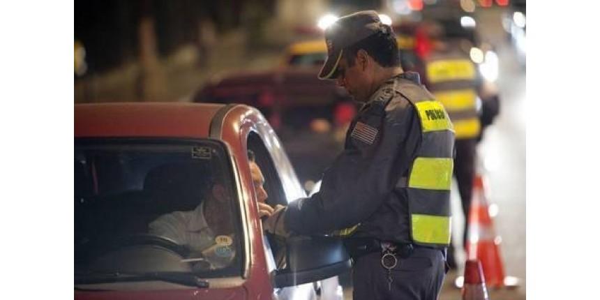 Em 2 dias, 1.548 motoristas são autuados após teste de bafômetro
