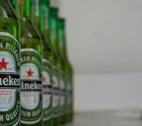 Heineken anuncia recall voluntário de garrafas que podem soltar lascas
