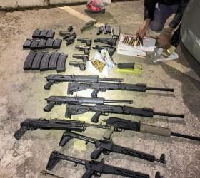 Interior de SP: Polícia apreende metralhadoras, fuzis e mais de...