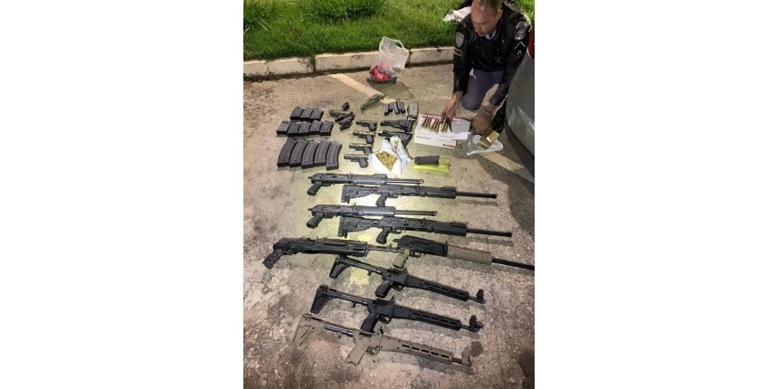 Interior de SP: Polícia apreende metralhadoras, fuzis e mais de 300 munições em rodovia
