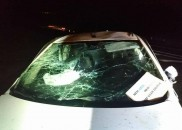 Uma jovem morre e quatro ficam feridos após carro capotar...