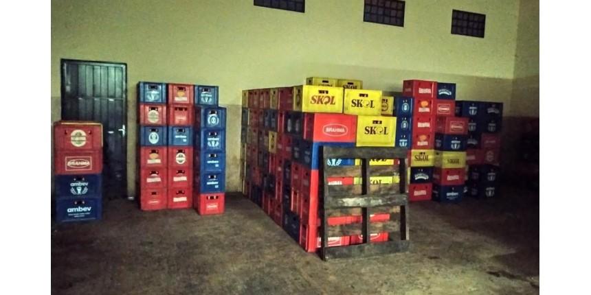 Polícia apreende mais de 16 mil garrafas de cerveja falsificadas