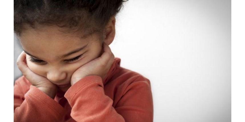 Coronavírus: Por que é tão difícil parar de tocar o nosso rosto