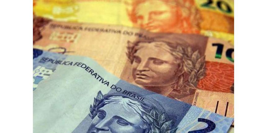 Justiça proíbe bancos de cobrarem crédito consignado de aposentados