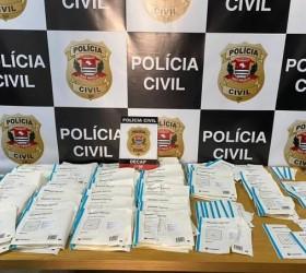 Polícia prende suspeito de desviar 50 000 máscaras de hospital