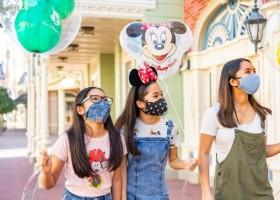 Disney reabre parque com máscaras obrigatórias e Mickey à distância