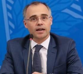 Ministro da Justiça: Interferência na Polícia Federal 'seria impensável'