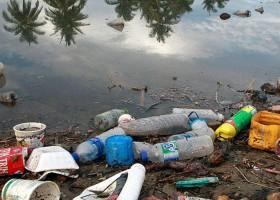 Plástico nos oceanos pode chegar a 600 milhões de...