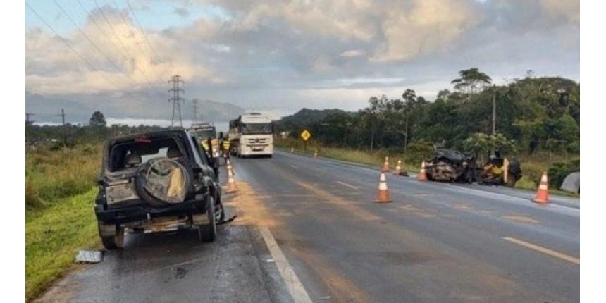 Motorista envolvido em batida com 5 mortos bebeu e não tem CNH