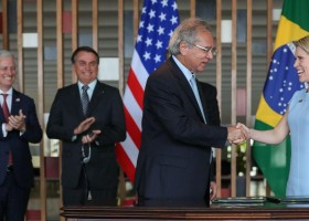 Brasil e banco americano assinam acordo de US$ 1 bi em investimentos