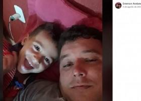 Pai e filho morrem em acidente com três caminhões...
