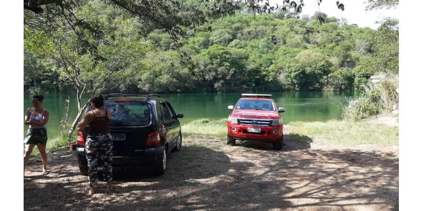 Corpos de criança e pescador que se afogaram são encontrados no Rio Paranapanema; quatro morreram afogados