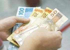 Abono salarial de até R$ 1.100 começa a ser pago nesta terça-feira....