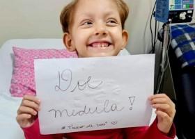 Menina com leucemia recebe transplante de medula do pai após doador 100%...