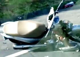 Motociclista morre após bater de frente com caminhão na BR-153