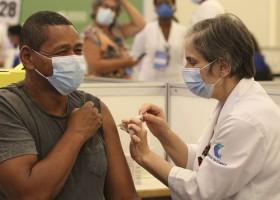 Vacinas já distribuídas atendem cerca de 10% dos públicos prioritários